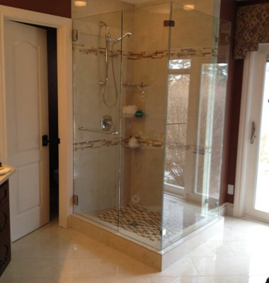 Corner Shower with Towel Bar