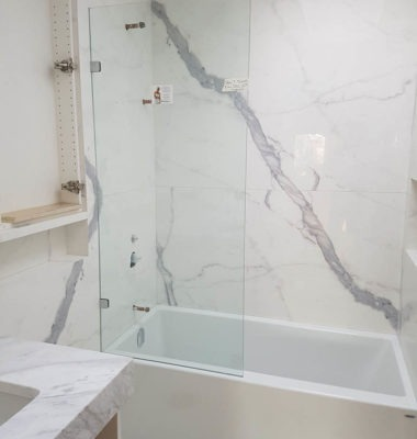 Frameless Single Panel on Tub