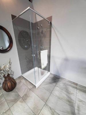 Corner Starphire Shower | Cascade Glass